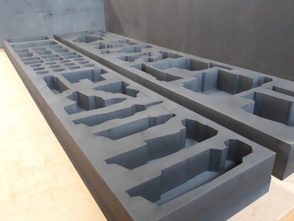 CNC 3D, Schaumstoff, laminiert, geschnitten und gefräst, für sensible und hochempfindliches Transportgut, Aufnahme und Deckel